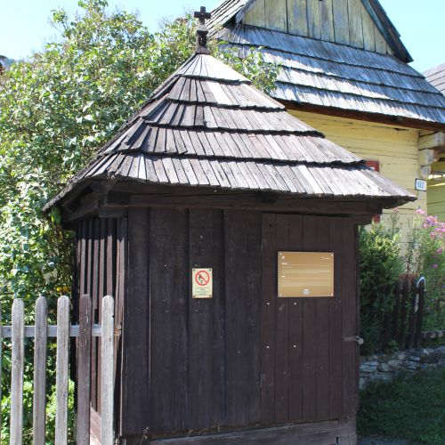 Drevená rumpáľová studňa