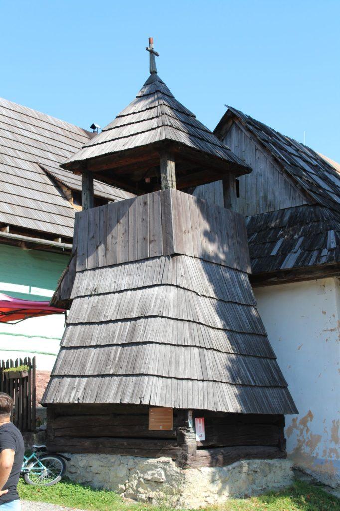 Drevená zrubová zvonica 05