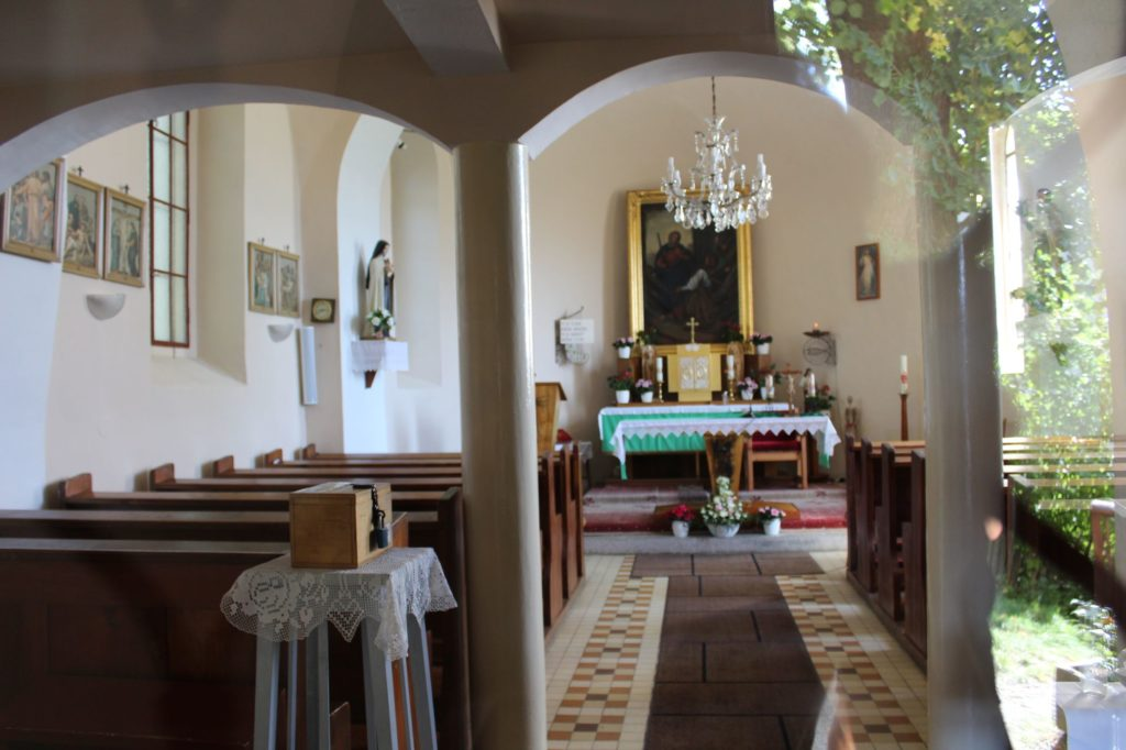 Rímskokatolícky kostol Navštívenia Panny Márie 01